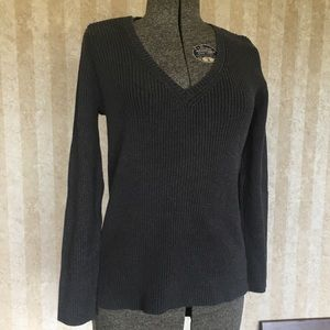 a.n.a. V-neck Sweater.